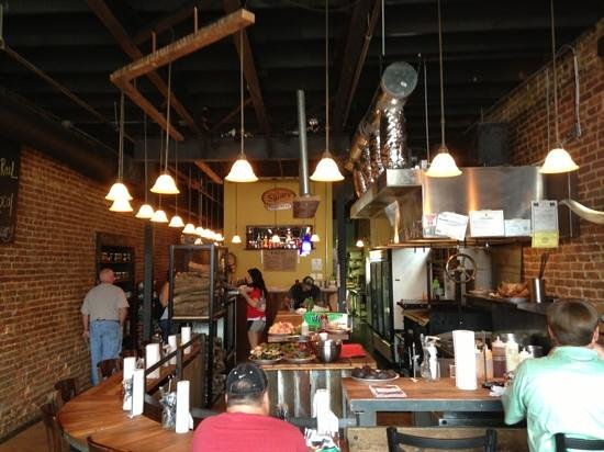 Kermit's Outlaw Kitchen: Cool place. The right vibe for this phenomenal gastropub experience.