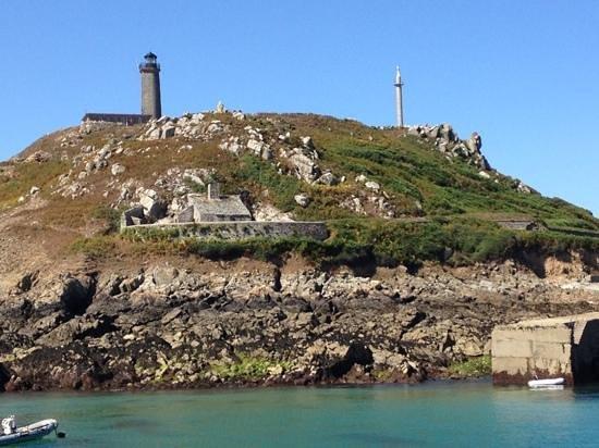 Réserve Naturelle des Sept Îles: Vue sur le phare.