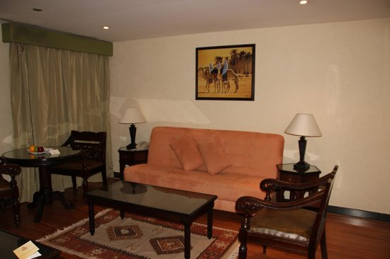 Arabian Courtyard Hotel & Spa: Sala de estar