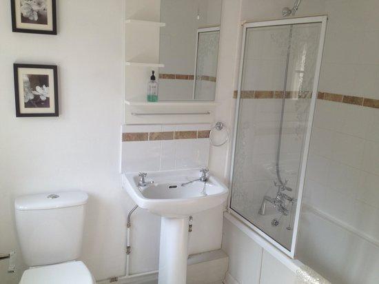 Ferndale House: Bathroom @the granary