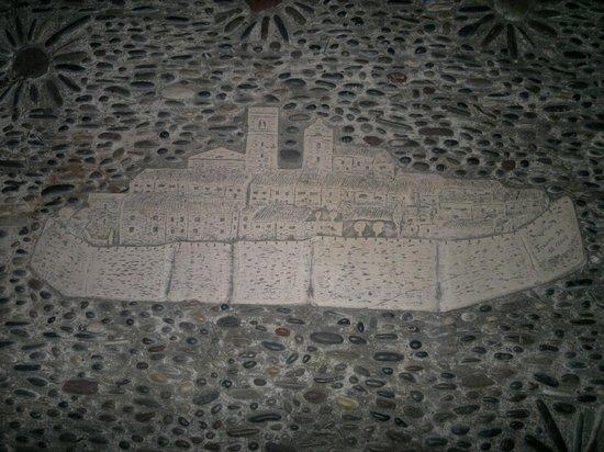 Carrelage salle de bain 2 picture of le mas d 39 artigny for Location monobrosse carrelage