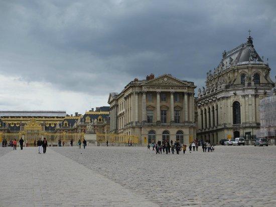 Versailles france picture of chateau de versailles for Architecte des batiments de france versailles