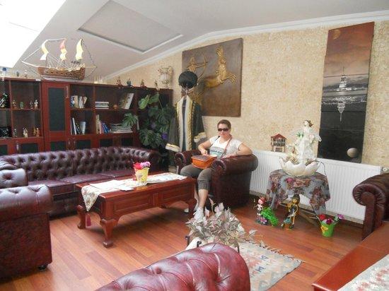 Angel's Home Hotel: холл отеля в любое время чай-кофе-печенюшка