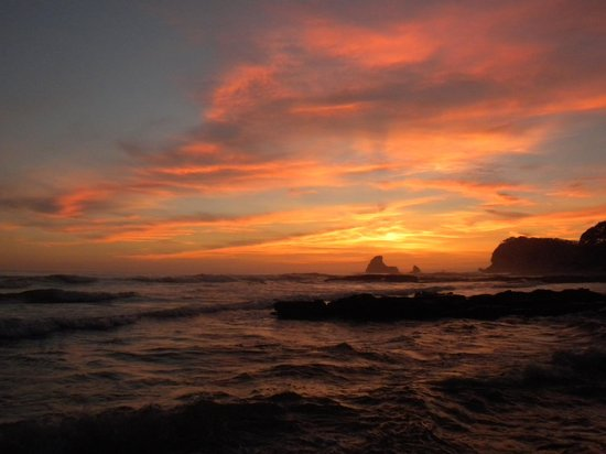 Surf Ranch Hotel & Resort: Sunset at nearby Maderas Beach