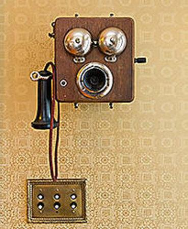 Rayski Guest House: phone