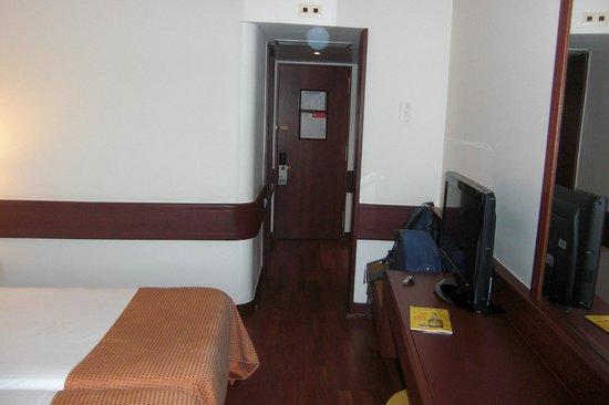Holiday Inn Lisbon - Continental: Habitación