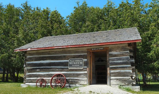 Bridal Veil Falls: The Post Office Museum.