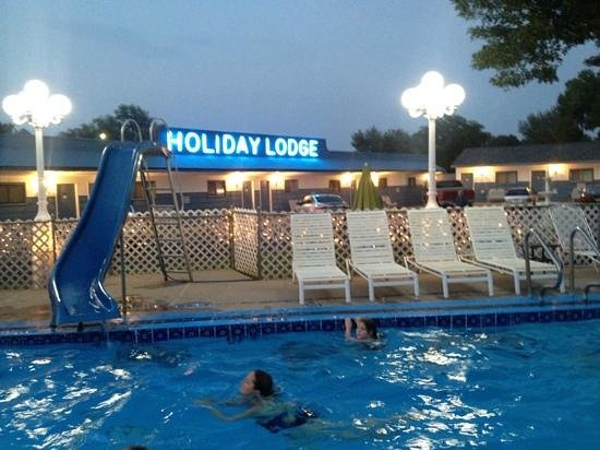 Holiday Lodge Motel: swimming at the end of the day