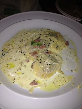 al chile viola: I couldn't take the pic fast enough, they started eating the Bull's Balls Ravioli!