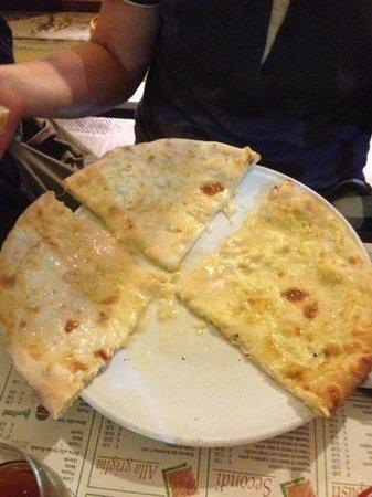 Pizzeria San Domenico: quattro formaggi