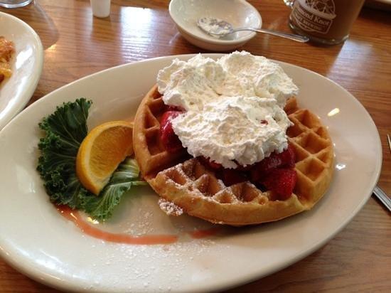 Diamond Knot Brewery & Alehouse: Light and crisp strawberry waffle.