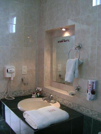 Hotel Villa Escondida Campeche: baño privado en cada habitacion