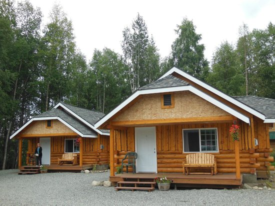 Denali Fireside Cabins & Suites: Cabins are adorable!