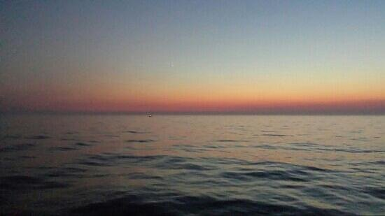 Holland State Park Beach : Evening on lake michigan