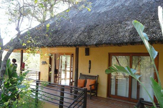 Toro Yaka Bush Lodge: Our room