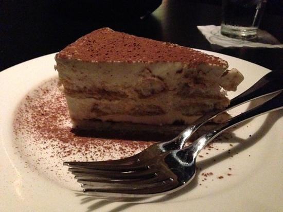 Johnny's Italian Steakhouse: Tiramisu