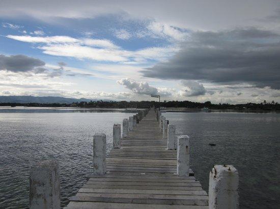 Pacific Cebu Resort : View of beach from dock