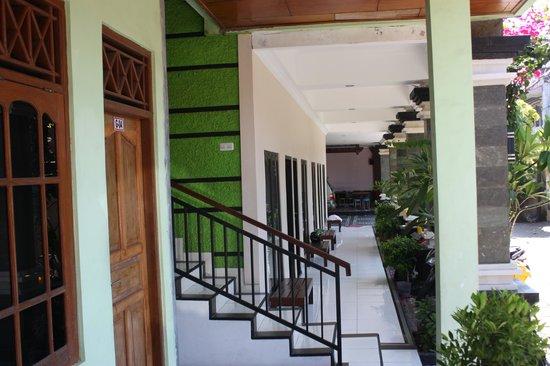 Warapsari Inn : Outside