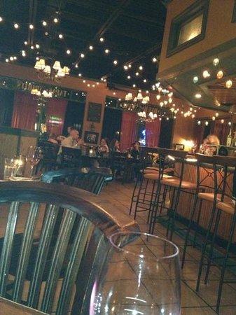 Gervais & Vine: bar scene