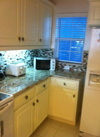 The Grandview Condos Cayman Islands : Kitchen