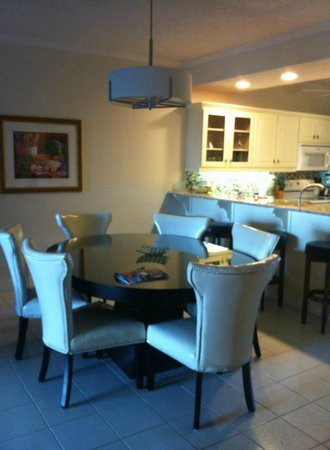 The Grandview Condos Cayman Islands : Dining