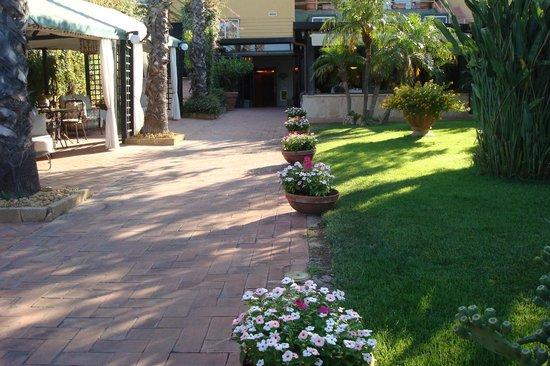 Colleverde Park Hotel: Parque del hotel