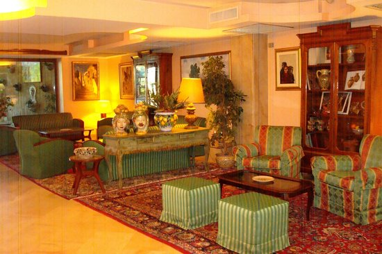 Colleverde Park Hotel: Lobby del hotel