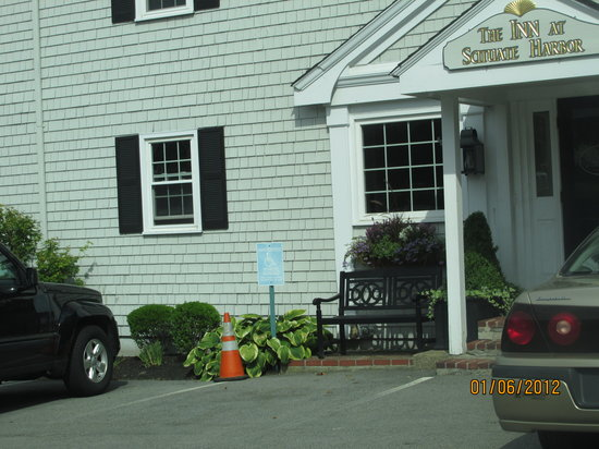 The Inn at Scituate Harbor: Wonderful Entrance  Area