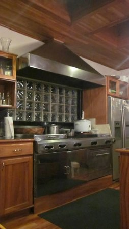Hidden Canopy Treehouses Boutique Hotel: Kitchen Area Main House