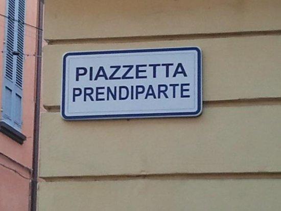 Torre Prendiparte: piazzetta