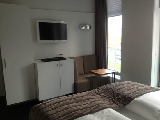 COSMO Hotel Berlin Mitte: Room