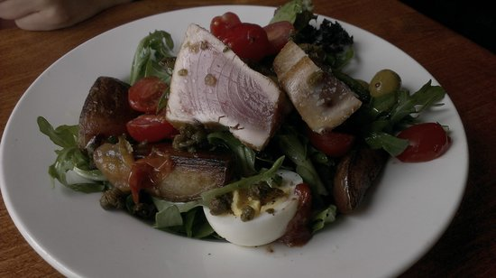 The Pony Restaurant : Tuna Nicoise Appy - Mouth Watering