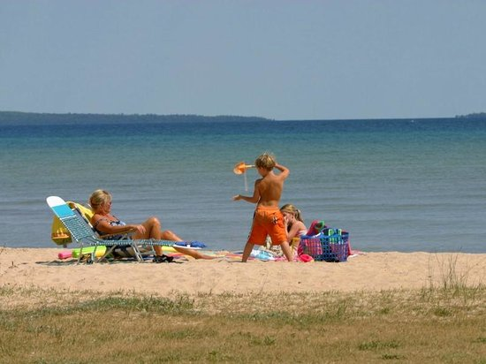 Mackinaw Mill Creek Campground : The sandy beach area
