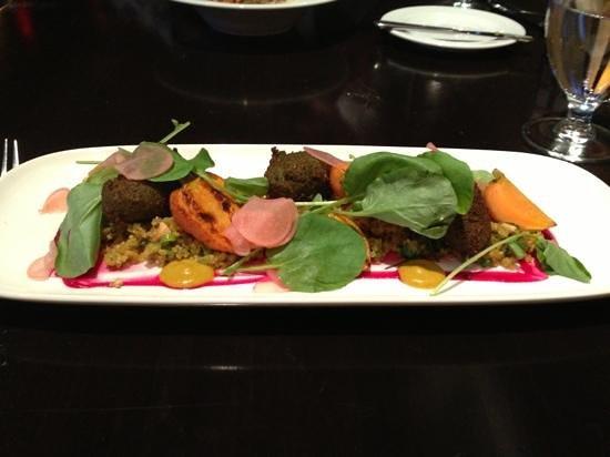 Aura Restaurant: vege falafel