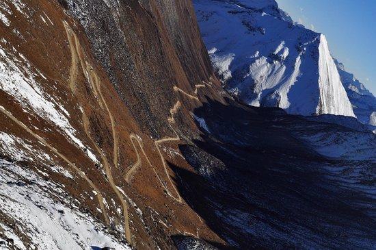 Lhamo Latso: 往神湖路上
