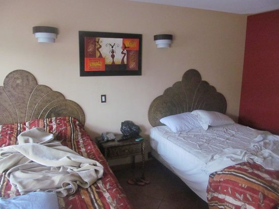 Pueblito Inn: two queen beds