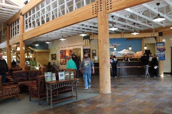 Denali Park Village: view of lobby front desk