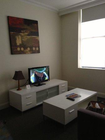 Waldorf Woolloomooloo Waters Apartments: siting area