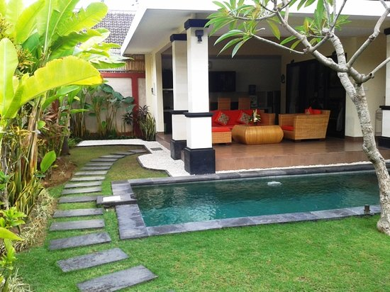 Tanjung Lima Villas: Outdoor 1