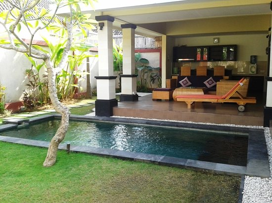 Tanjung Lima Villas: Outdoor 3
