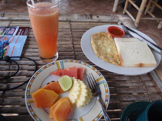 Great Mountain Views Villa Resort: Simple breakfast