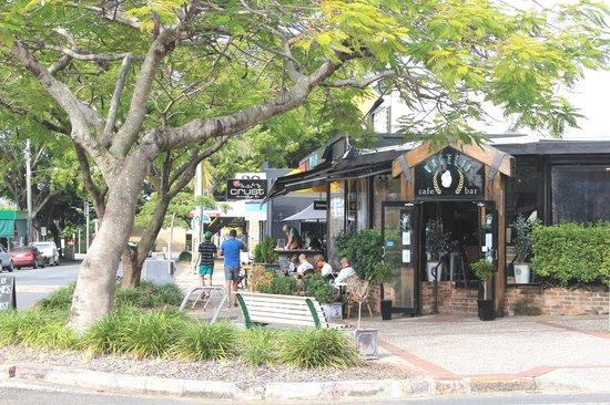 Hamilton Motor Inn : Local Cafe