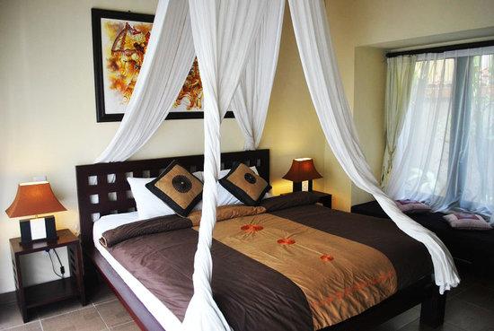 Tanjung Lima Villas: Bedroom