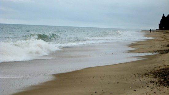 Admiral Dewey Inn: Matunuck Beach