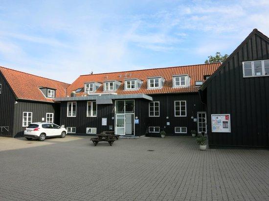 Danhostel Kolding: Front building view
