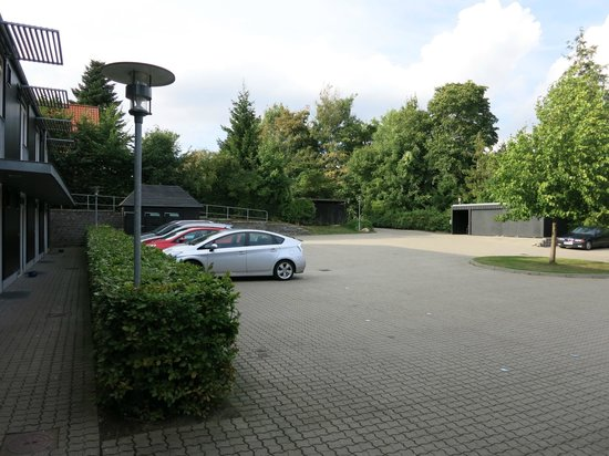 Danhostel Kolding : Parking view