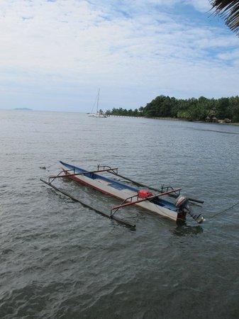 Cocotinos Manado: Crabbing Boat