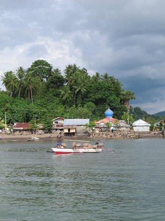 Cocotinos Manado: River View
