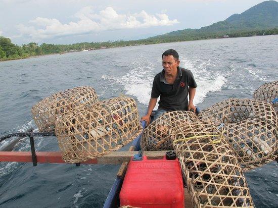 Cocotinos Manado: Crabbing Crew