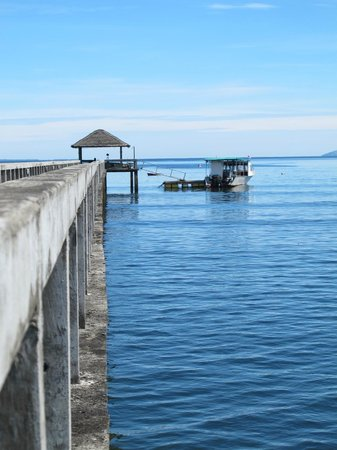 Cocotinos Manado: View from Jetty